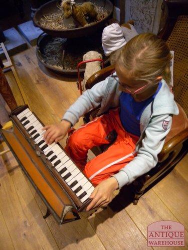 antiek kinder orgeltje