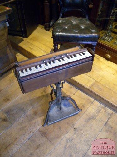 antiek orgeltje