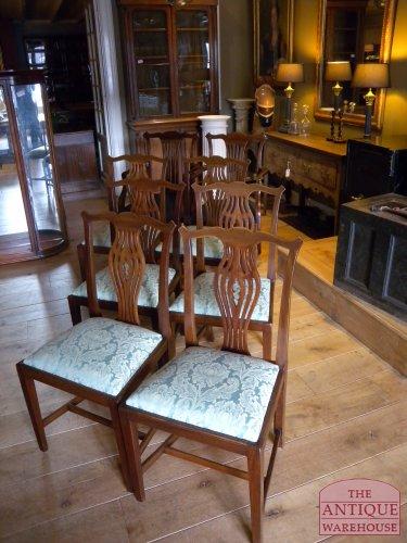 antieke set van acht stoelen