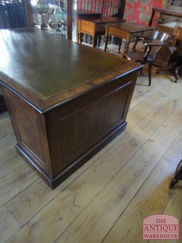 antiek bureau afkomstig uit Engeland