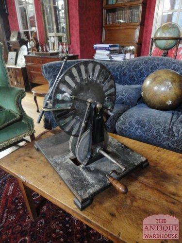 antieke wimshurst machine