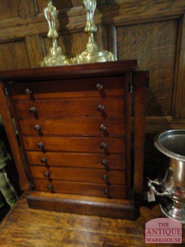 antiek vlinder kabinet