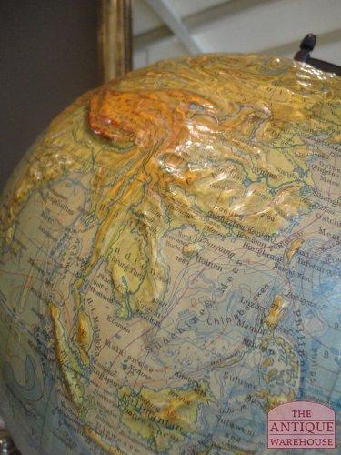 hoogte verschil op globe te zien, zeer goede staat