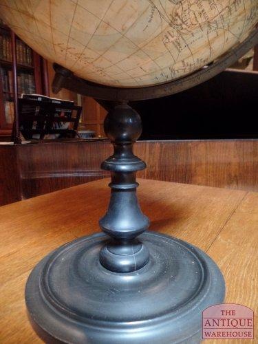 zwart gepolitourde mooie voet van antieke globe