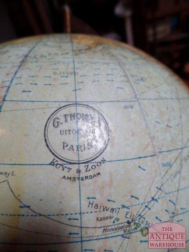 antique globe, G. Thomas, Paris uitgegeven door Kuyt & Zoon te Amstredam