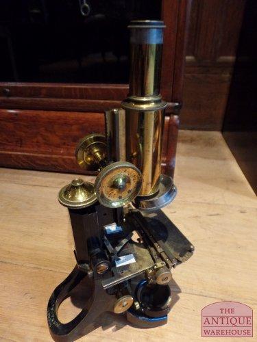 antieke microscoop