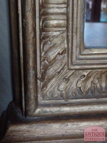 geschulpte tand van Franse spiegel