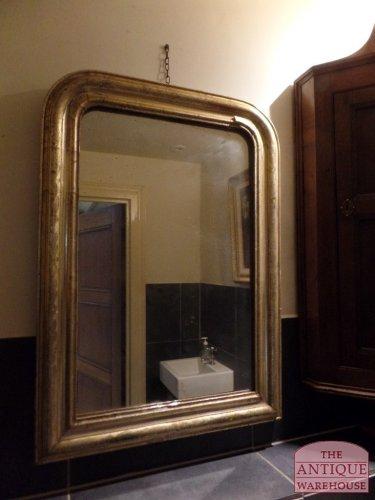 antieke spiegel met verzilverde lijst