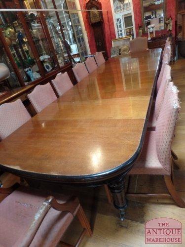 unieke set antieke stoelen van 14 stuks