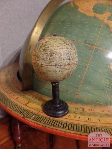 antieke kleine Franse globe