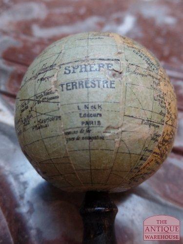 maker van de kleine Franse globe