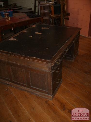 antiek ongerestaureerd bureau
